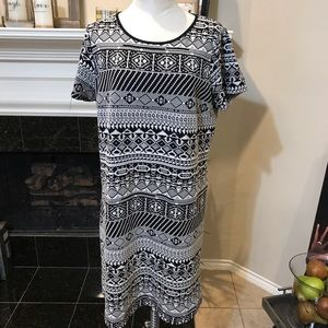ING + Black and White Patterned short sleeve dress